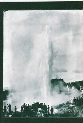 Wairoa Geyser with tourists watching, GP-32