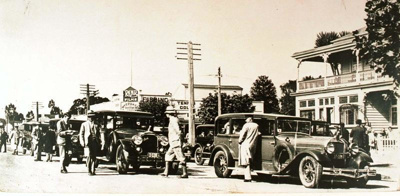 Royal visit 1927 in Fenton street outside Grand Hotel, 1927, CP-2622