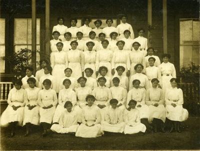 Queen Victoria College girls; Unknown; 1912; OP-4971