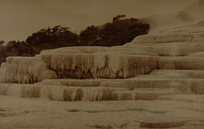 View of the silica formations of the White Terrace...