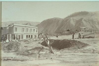 Te Wairoa, McRaes Hotel, Sophias whare and Terrace hotel, Valentine, George, 1886, 1995.178