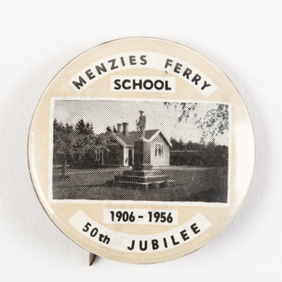 Badge, Menzies Ferry School 50th Jubilee; Unknown manufacturer; 1956; WY.0000.657