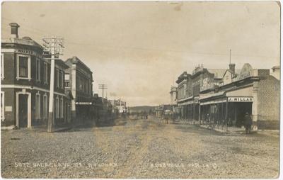 Postcard, Balaclava Street Wyndham; Muir and Moodie; 01.04.1913; WY.0000.1217