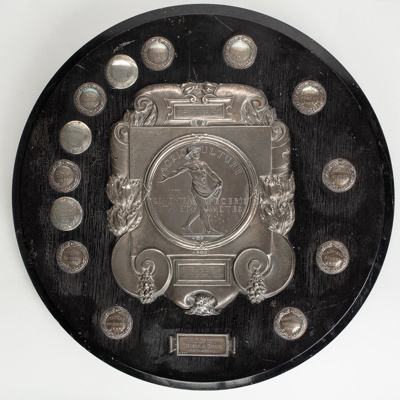 Shield, NZ Institute of Horticulture Inc, Southland; Unknown maker; 1930; WY.1992.55