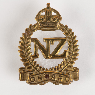 Badge, Military New Zealanders Resident in the U.K in Early WWI; Unknown manufacturer; 1914-1918; WY.2000.12.4.12