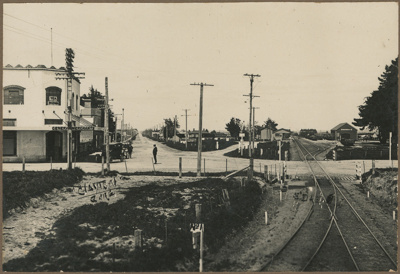 Photograph, Edendale Corner; Clayton, Fred; 1920-1930; WY.1989.457