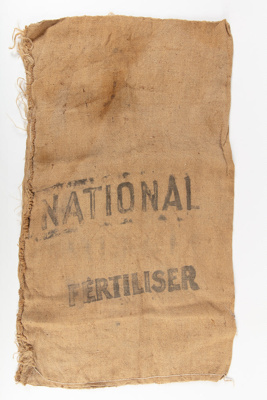 Bag, National Fertiliser; National Mortgage & Agency Co of New Zealand; 1940-1950; WY.0000.509