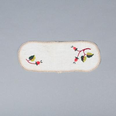 Embroidered Table Mat, Stylised Acorns; Batt, Dorothy; 1950-1960; WY.2010.7.12