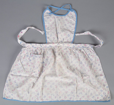 Apron, Child's Pink and Blue; Hall, May; 1940-1950; WY.2004.75.10