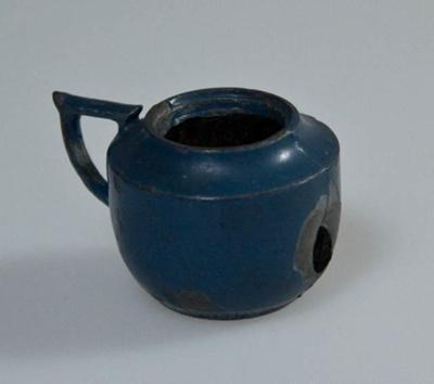 Miniature teapot; XHH.2774.66.2