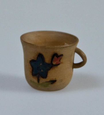 Miniature cup; XHH.2774.61.1