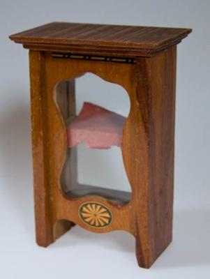 Miniature china cabinet; XHH.2774.45