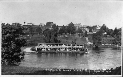 Photographic print. View shows S.S. Manuwai passing Soldiers' Park. Hamilton 1923.; Unknown ; 1923; 1972/71/3