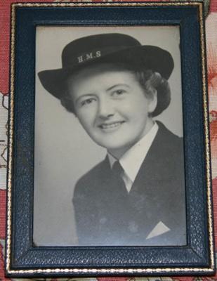Photograph [Dwillis Kemp]; c. 1939-1945; XKH.3249