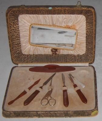 Manicure set in case; 1979-0700-1