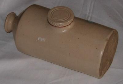 Crockery Hot Water Bottle; Wardlaw Glassow; 1979-0670-1