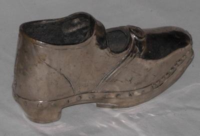 Silver Shoe Ornament; 1982-1262-1