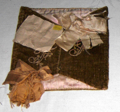 Handkerchief Sachet; 1977-0075-1
