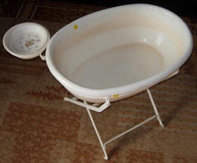 Babys Bath; 2011-3345-1