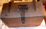 1999-2555-1 ; Wolf; Wolf Sander in Homemade Box