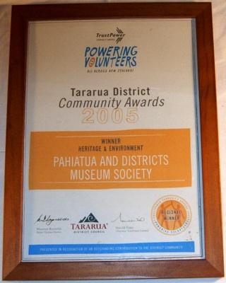 Tararua District community Award 2005; 2005; 2005-2943-1