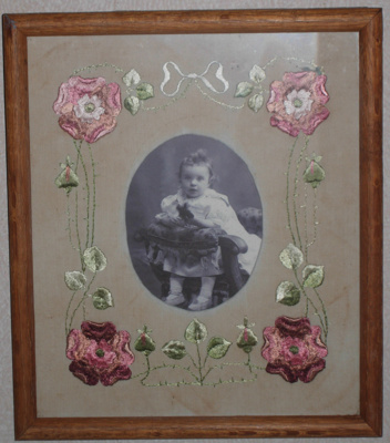 Embroidered Photo Frame; 1979/0195/1