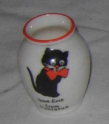 Souvenir Miniature Vase; Frank Duncan & Co; 2009-3255-1