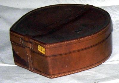 Leather Collar Box; 1977-0483-1