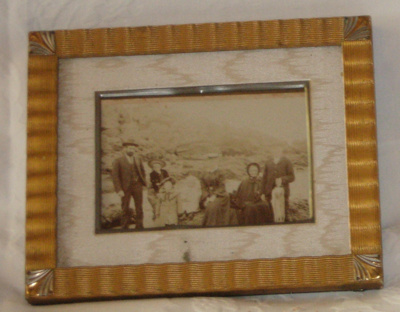 Framed Photograph - Olliver Family; 1903; 1977-0294-1