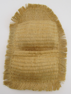 Kete with 2 pockets; 2008-072-0003