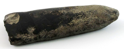 Black pounamu (possibly kahurangi) toki (adze). ; Unknown; Wanganui District; 041-1900-356-0001