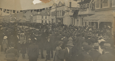 Armistice Celebrations WWI in Queen Street, Waimat...