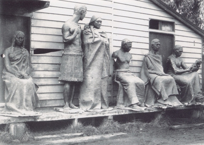 Māori Statues; Unknown; c1907-1910; P7312