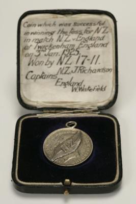 1925 'Winning Toss' Florin; The Royal Mint; 1921; B195