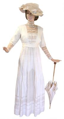 Gown circa 1910; BGT.213