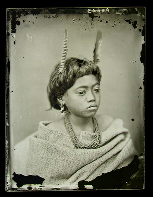 Maori child ; American Photographic Company (Auckland); circa 1865; A.004643