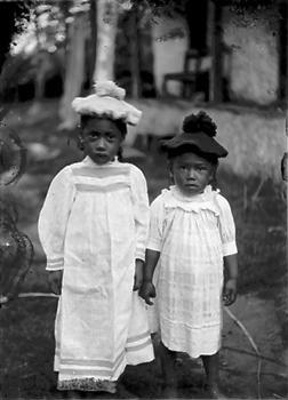 Portrait of two children	; Crummer, George; circa 1914; B.027631