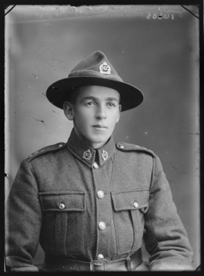 Portrait of a soldier [inscribed Hawker] ; Berry & Co; 1918; B.046035