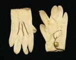 Girl's gloves ; Dents; circa 1890; PC001483