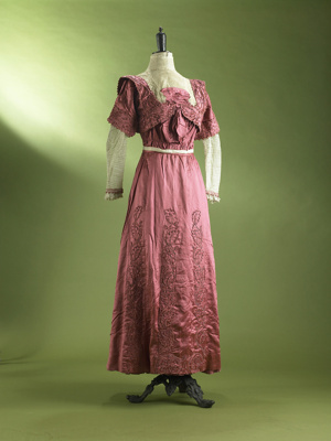 This Edwardian two-piece day dress epitomises the ...