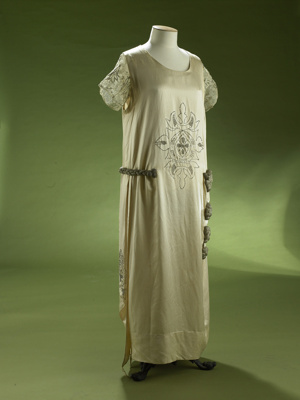 Wedding dress; Drapery Supply Association; 1926; 2007/29/2