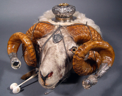 Ornamental snuff box set in a sheep's head. It has...