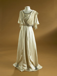 Wedding dress; 1911; 1988/207/1