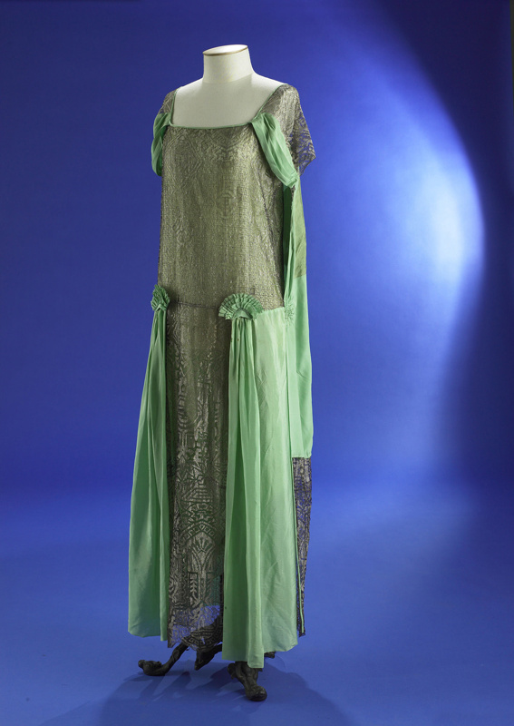 Evening dress; green silk with silver mesh; 1920s; 1985/166/2 on eHive