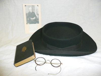 Minister's hat, 1027