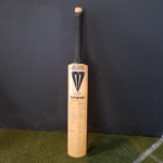Bat: autographed by 1992 World Cup squads; Duncan Fearnley; c1992; 2018.18.1