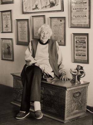 Davina Whitehouse ; Neil Penman; 1990; 1990.005