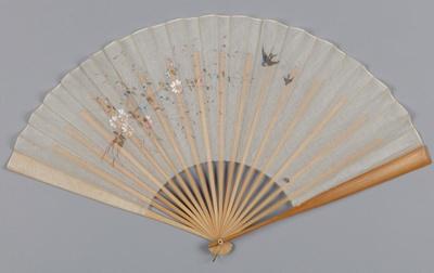 Fan, Folding, Gauze with flower spray and birds; Unknown maker; 1880-1910; RI.LA01.01