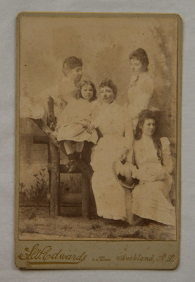 Cabinet photograph [Sophia Kerr Taylor and children]; J W Edwards (estab. 1880s); Post 1885; XAH.GH.2.4