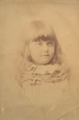 Photograph [Young girl]; XCH.1160
